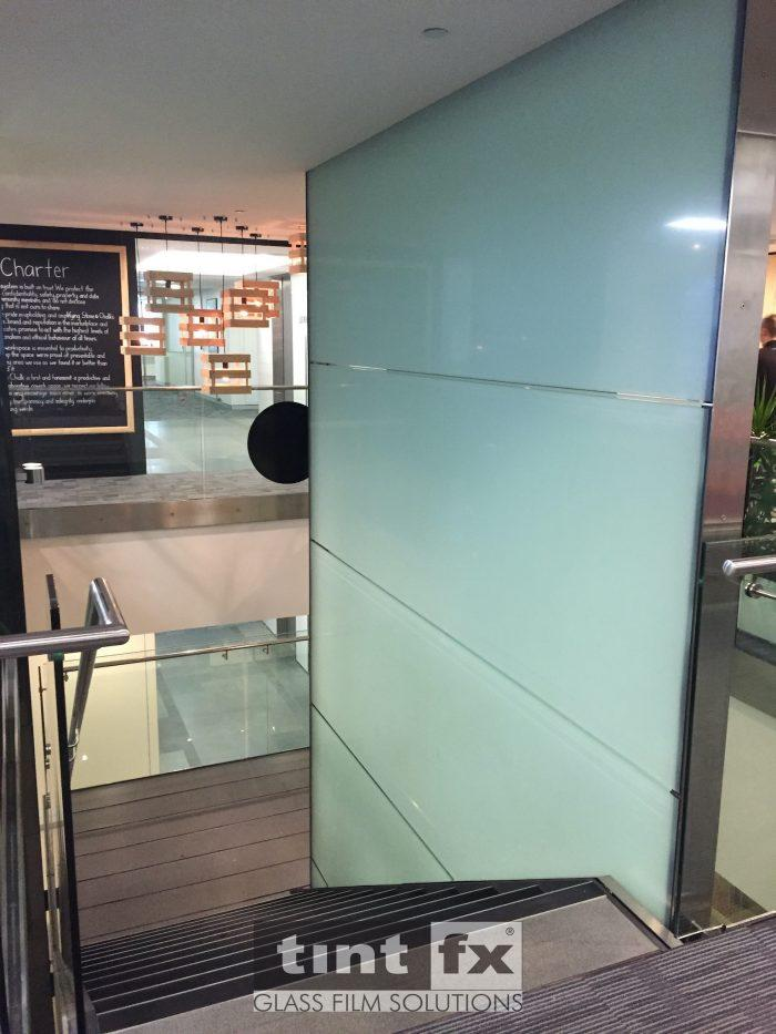 Decorative Frost - Stairways - 3M FASARA Glass Finishes Cielo - Stone and Chalk