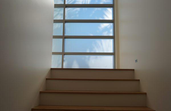 Medium Solar Window Film - Solar Gard TrueVue 30 - Stairway Windows - Collaroy Constructions - internal image